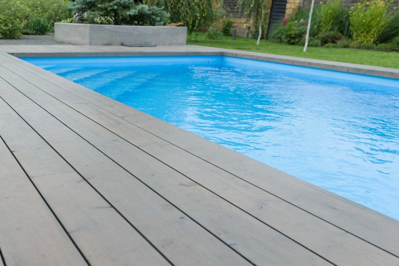 Jak dbać o przydomowy basen